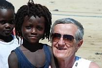 Stroje dovezené ze zlínského Svitu do africké Ghany zachránil před sešrotováním, odvezl je zpět na Moravu a dodnes na nich vyrábí komponenty. Jako poslední mohykán vyrábí v areálu bývalého Svitu sandálovou obuv. Na trh přišel i s ochrannými návleky  a bez