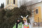 Velikonočnímu putování za zajíčky v Bystřici tentokrát počasí nepřálo.