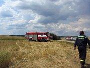 Požár obilného pole u Ctiboře.