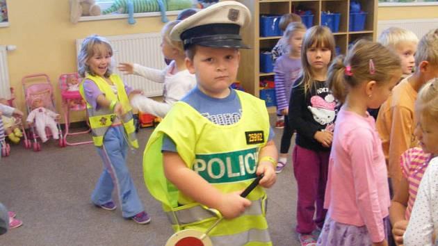 Návštěva policistů v Mateřské škole Pyšely.