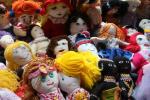 Látkové panenky pomáhají dětem v nejchudších zemích.