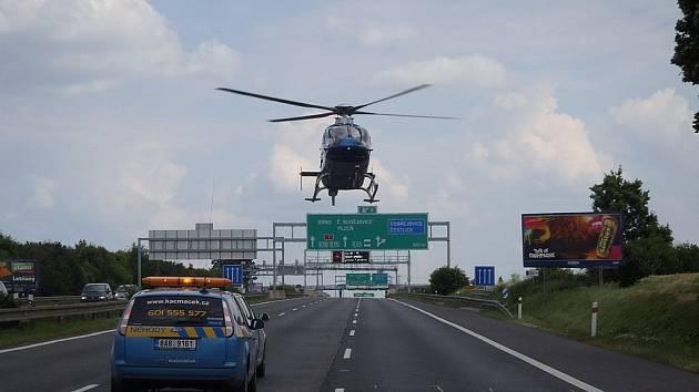 Po dobu odstraňování nehody dálnice D1 ve směru na Brno stála.