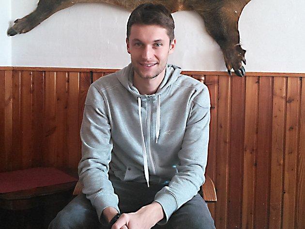 Petr Pilát při rozhovoru v restauraci U Zlaté hvězdy v Benešově.
