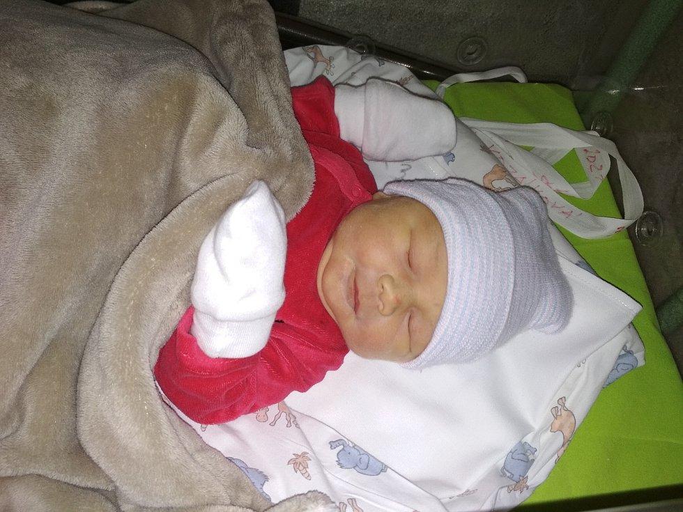 Laura Kozáková se narodila 4. února 2021 v kolínské porodnici, vážila 3385 g a měřila 50 cm. Do Velkých Chvalovic odjela s maminkou Veronikou a tatínkem Jakubem.