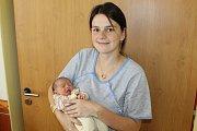 Šťastným manželům Vladimíře a Miroslavu Hromasovým se 15. října v 8.47 narodila první dcerka Anna Hromasová. Při narození malá holčička vážila 2 740 gramů a měřila 49 centimetrů. Rodinka Hromasových bude po odjezdu z porodnice bydlet ve Vlašimi.