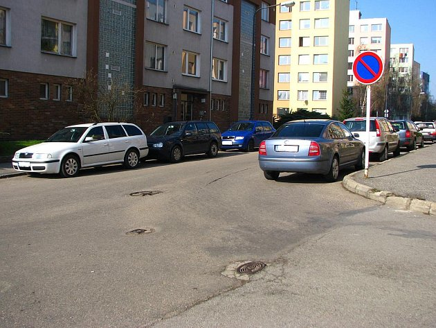 Nepřehledná křižovatka ve Vlašimské ulici