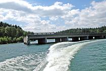 Tento most přes Želivku řidiče na druhý břeh nádrže nepřivede.