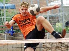 Solidní výkon předvedli na nohejbalovém mistrovství republiky trojic Michal Nepodal se Stanislavem Voltrem z benešovského Šacungu.