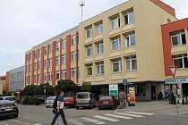 Benešovská poliklinika na Malém náměstí.