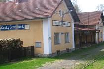 Od pondělí 18. dubna od 8 hodin je nepřetržitě do pátku 22. dubna do 16 hodin zastavený provoz vlaků mezi Ledečkem a  Českým Šternberkem.
