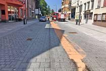 Úplně první případ zašpinění dlažby Tyršovy ulice v Benešově olejem se stal 26. května 2019. Od té doby přibylo dalších pět.