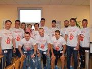Hokejisté z HC Lev Benešov opět přišli ve čtvrtek 17. května 2018 na transfuzní a hematologické oddělení, aby podpořili benešovskou nemocnici dobrovolným dárcovstvím krve.