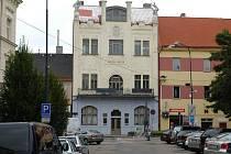 Secesní objekt Muzea umění a designu na benešovském Malém náměstí.