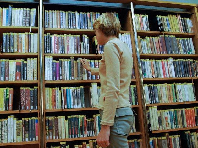 Ilustrační foto: Lidé stále využívají knihoven