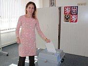 Momentka z druhého dne komunálních a senátních voleb v Bystřici.