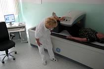Denzitometr v benešovské nemocnici.