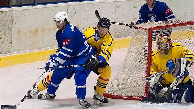 Zápas II. hokejové ligy Benešov - Kolín
