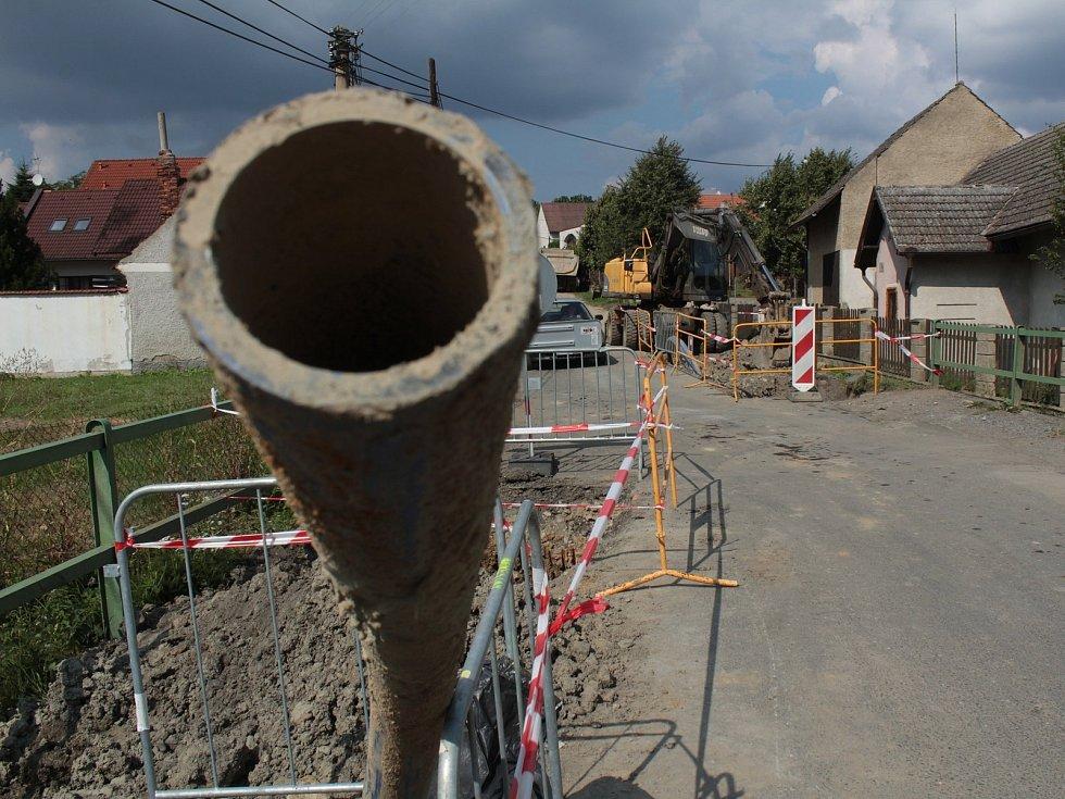 Výstavba vodovodu, ilustrační foto.