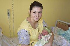 Petr Kunšta se narodil 9. dubna v5:29. Vážil 3850 g a měřil 52 cm. Jeho rodiče, manželé Kunštovi, si svého prvorozeného synáčka odvezou do Vrchotových Janovic.