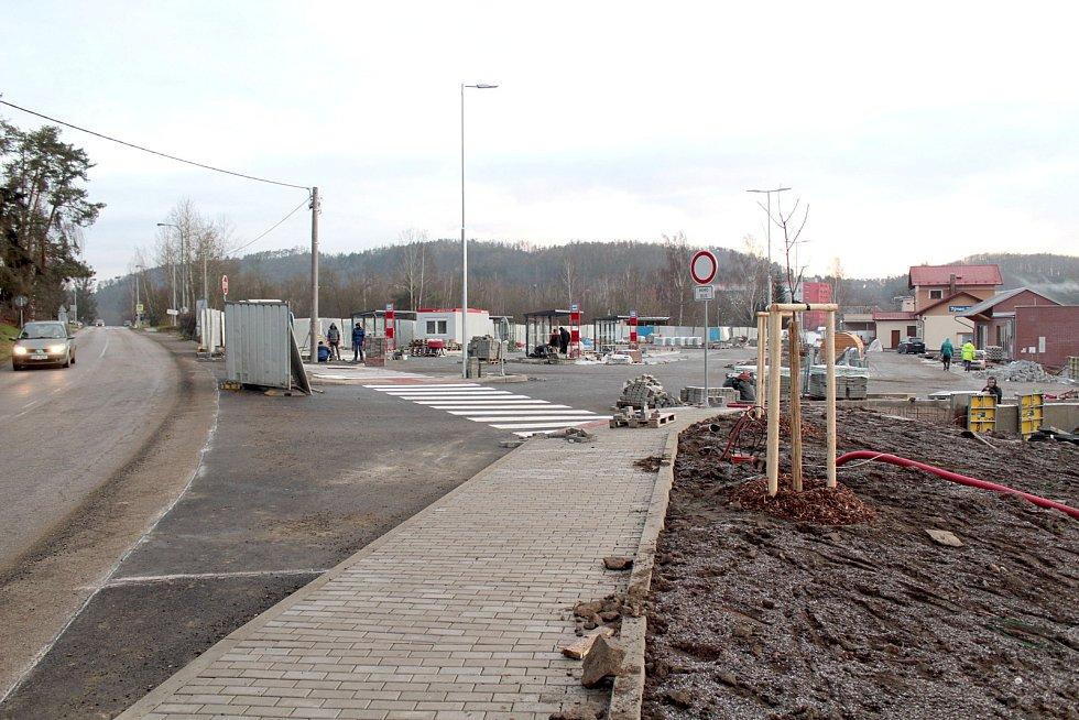 Stavba dopravního terminálu v Týnci nad Sázavou.
