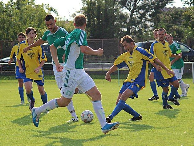 Týnečtí fotbalisté inkasovali na úvod I. A třídy bůra v Hostouni.