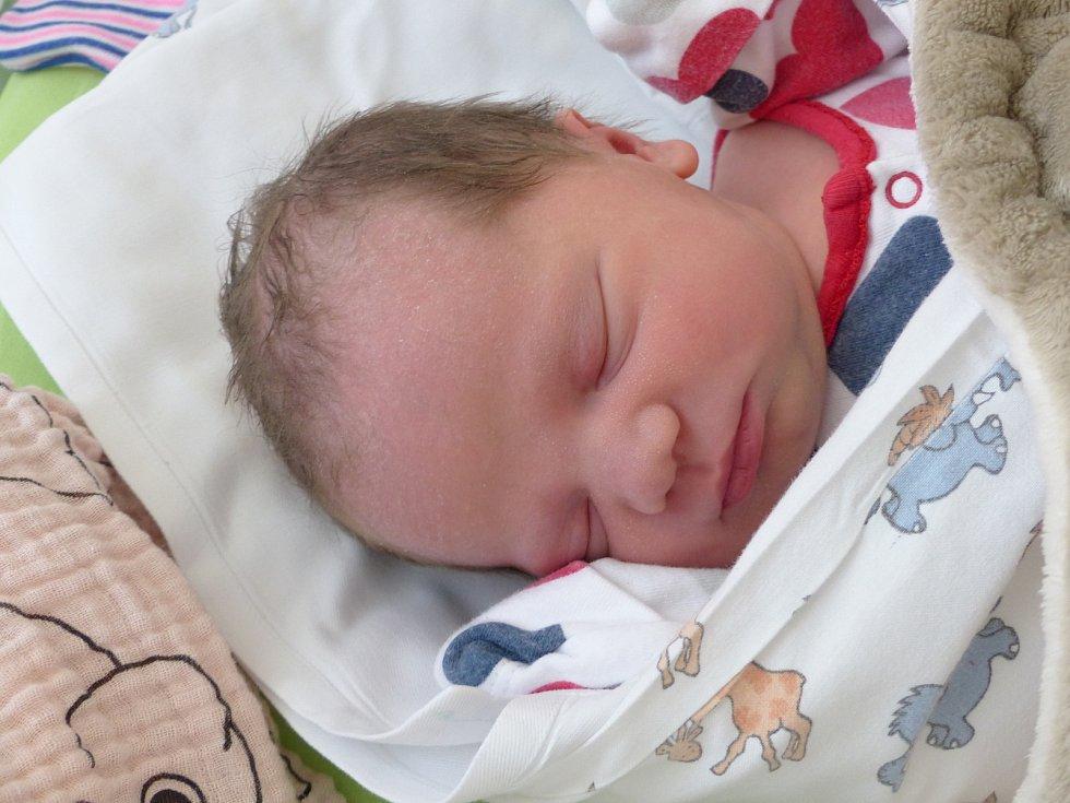 Beáta Rejhonová se narodila 25. února 2021 v kolínské porodnici, vážila 3385 g a měřila 49 cm. V Kolíně ji přivítal bráška Davídek (3) a rodiče Martina a Jan.