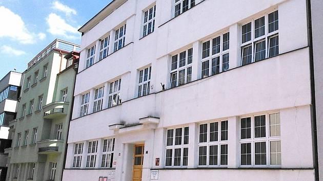 Učňovská škola v Husově ulici v Benešově.