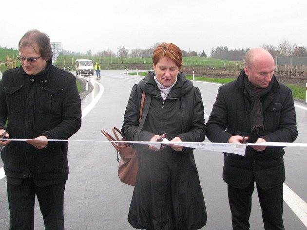 Nový sjezd ze silnice I/3 u Pyšelky byl oficiálně zprovozněný.