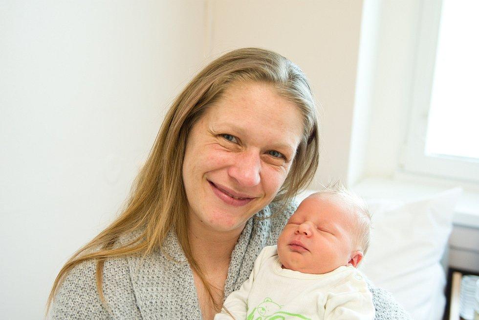 Natálie Nováková z Milovic se narodila v nymburské porodnici 1. března 2021 ve 12.50 hodin s váhou 3190 g a mírou 49 cm. Z holčičky se radují maminka Helena, tatínek Jan, bráška Dominik (12 let) a sestřičky Patricie (10 let) a Nikola (2,5 roku).