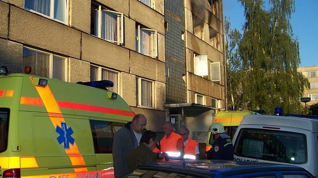 Při požáru ve Vlašimi zasahovali i zdravotníci