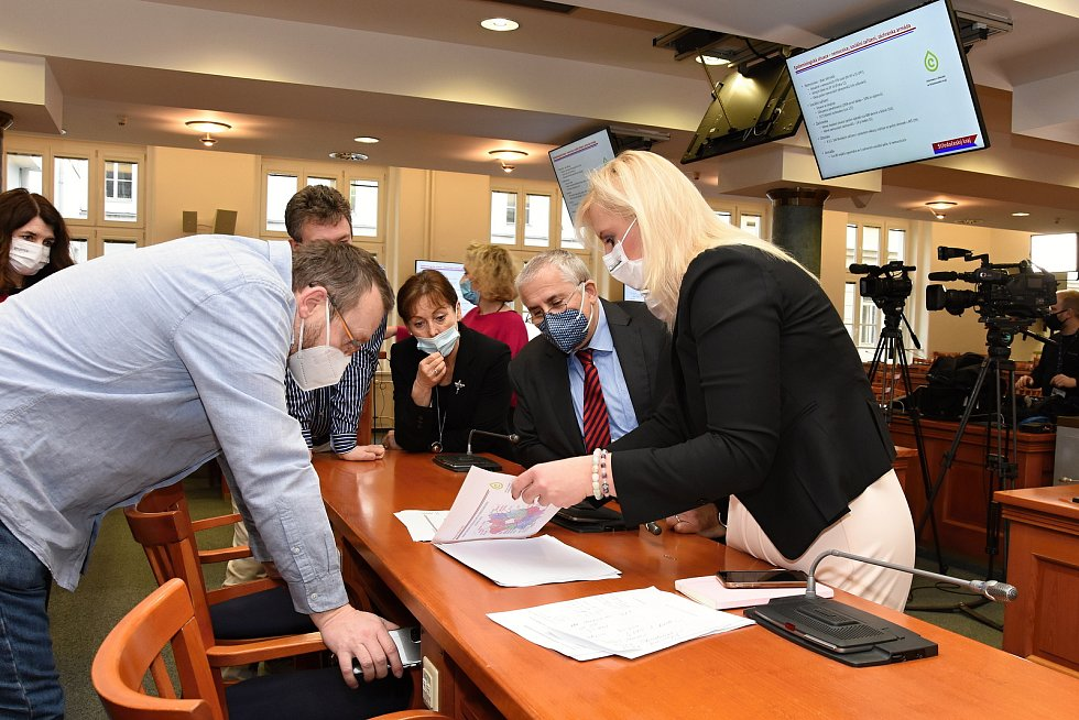 Tisková konference Středočeského kraje k epidemiologické situaci a strategii očkování.