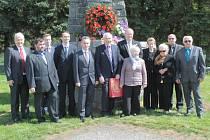 Vzpomínková akce u pomníku setkání dvou částí Rudé armády.