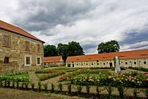 Zahrada zámku Třebešice