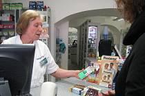 LÉKÁRNA U ORLA. Volně prodávane léky na chřipku a nachlazení by měli lékárny od března prodávat pouze na občanský průkaz a jednou týdně