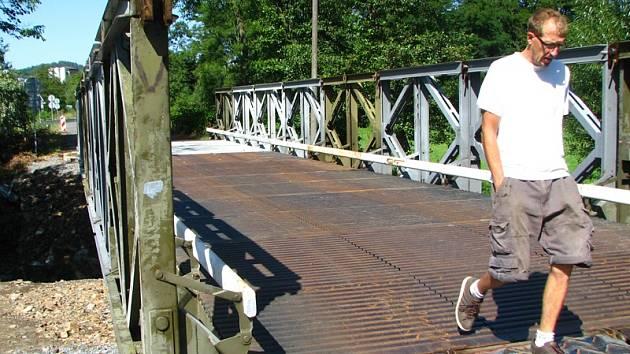 V úterý 6. srpna dopoledne byl zprovozněný provizorní most přes Mastník  mezi Červeným Hrádkem a Sedlčany.