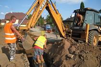 Práce na kanalizaci v Peceradech