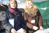Daniela Bukovská (vpravo) s kolegyněmi pořádají letos sbírku již po 14.