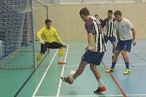 V hořovické sportovní hale se hrál turnaj pod názvem Pomáháme fotbalem.