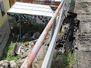 Poškození mostu v Domašíně.