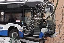 Nehoda autobusu ve Vlašimi.