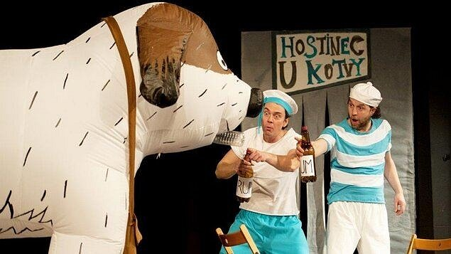 Pohádku Divadla Krapet mohou děti s rodiči sledovat z domova a užít si pořádnou divadelní psinu.
