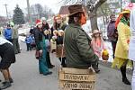 Masky oživily ulice Zvěstova.