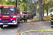 Cvičení hasičů v klášteře v Sázavě.