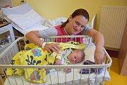 Manželé Jarmila a Lukáš Jánošovi se 12. září stali šťastnými rodiči malé Nely. Ta se narodila v15.03 sváhou 3650 gramů a mírou 50 centimetrů. Doma vobci Miřetice na ni čeká sestřička Eliška (2).