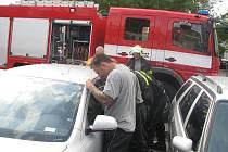 U dvou případů zabouchnutého dítěte v autě museli hasiči zasahovat už loni v létě.