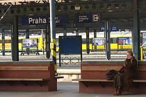 Vlaky z Benešovska od pondělí 15. února dojíždí podle jízdního řádu na pražské Hlavní nádraží.