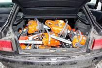 Ukradené nářadí by jistě zaplnilo celý kufr od auta.