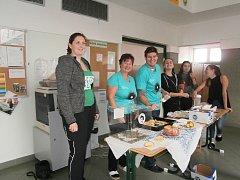 Studenti OA Neveklov se zapojili do projektu 72 hodin – tři dny dobrovolnických aktivit, který vyhlásila Česká rada dětí a mládeže.