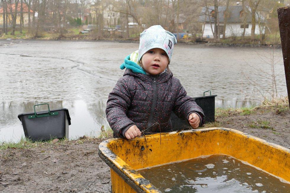 Výlov rybníka Mlynský ve Smilkově.