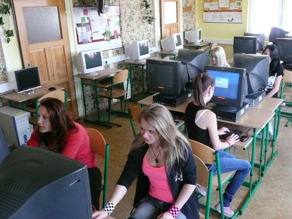 Studentky SOU stavebního Benešov se nemusí za své znalosti cizích jazyků rozhodně stydět.